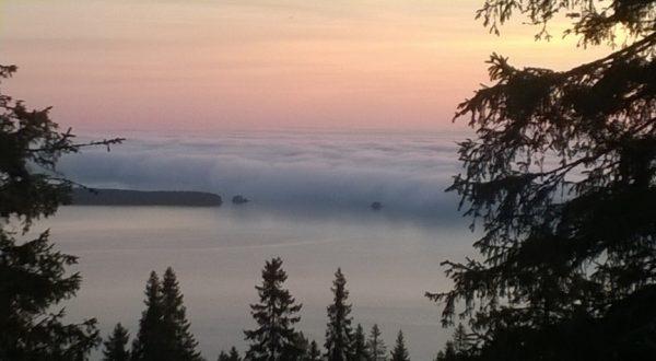 Morning mist at Lake Pielinen